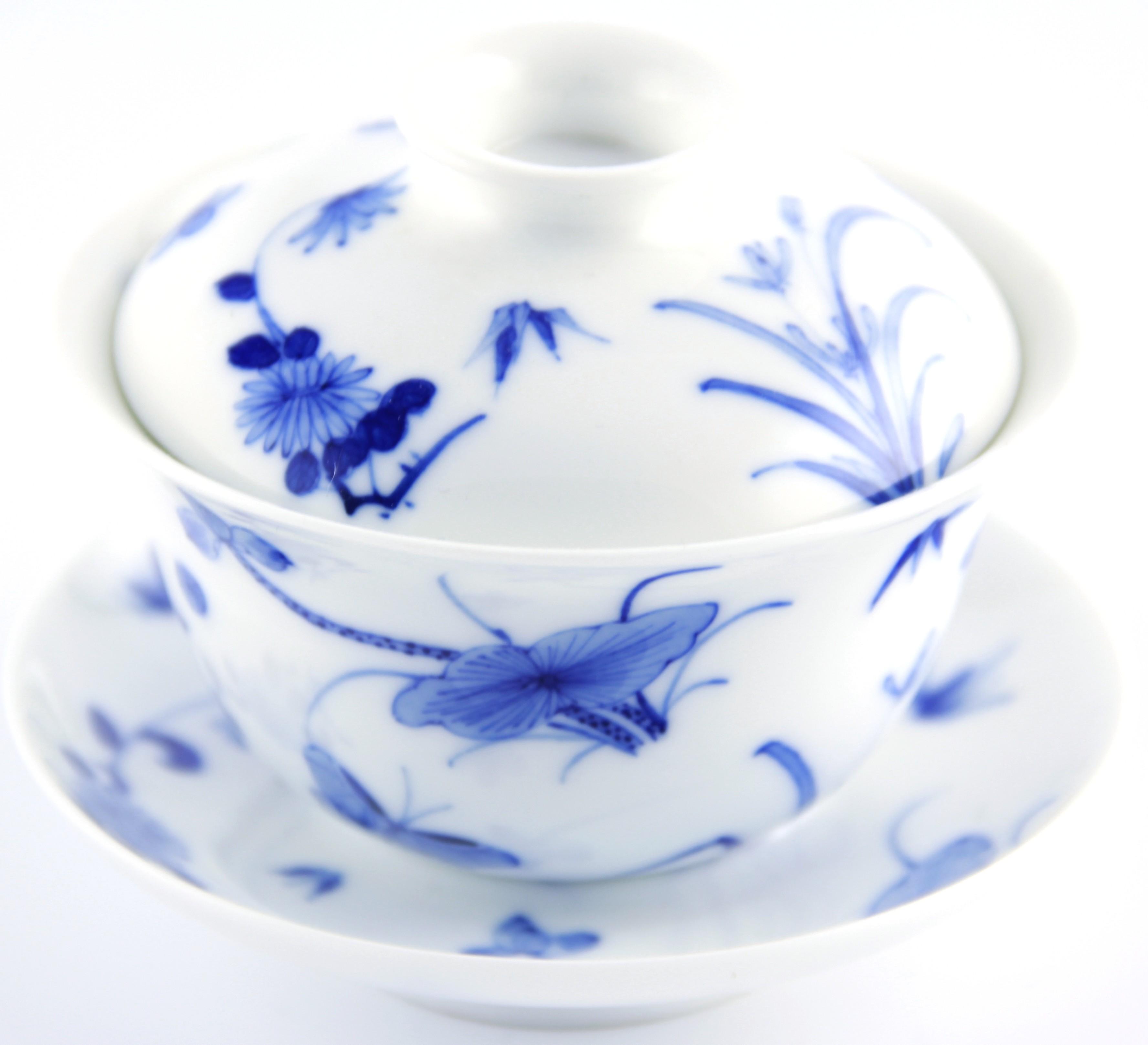 Gaiwan qing hua 150 ml orné de fleurs et papillons