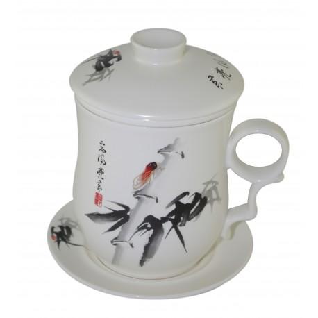 Mug à thé en porcelaine avec couvercle et infuseur décoré d'une cigale d'un côté du mug 310 ml